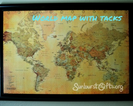 World Map With Tacks Gift