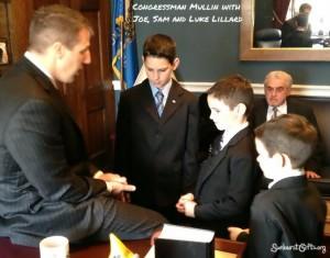 Congressman-Mullin-and-Lillard-Boys-sunburst-gifts