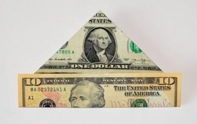money-crown-attach
