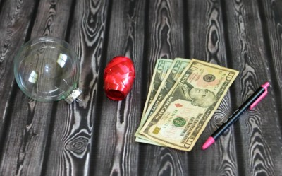 christmas-cash-ornament-money-gift