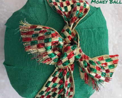 crepe-paper-money-ball-thoughtful-gift-idea