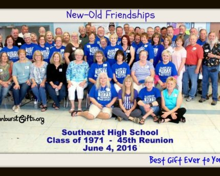 high-school-reunion-class-picture-thoughtful-gift-idea