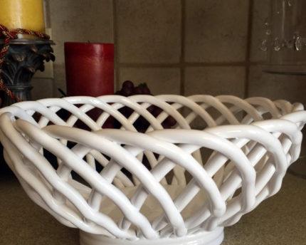 ceramic-woven-bread-bowl-warmer-thoughtful-gift-idea