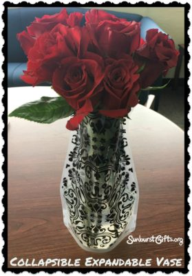 collapsible-expandable-vase-thoughtful-gift-idea