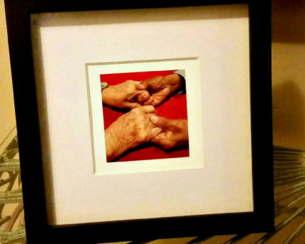 holding-hands-thoughtful-gift-idea