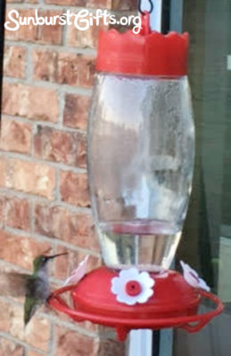 hummingbird-feeder-thoughtful-gift-idea