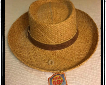 sun-protection-hat-thoughtful-gift-idea