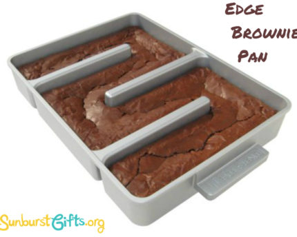Edge-Brownie-Pan-thoughtful-gift-idea